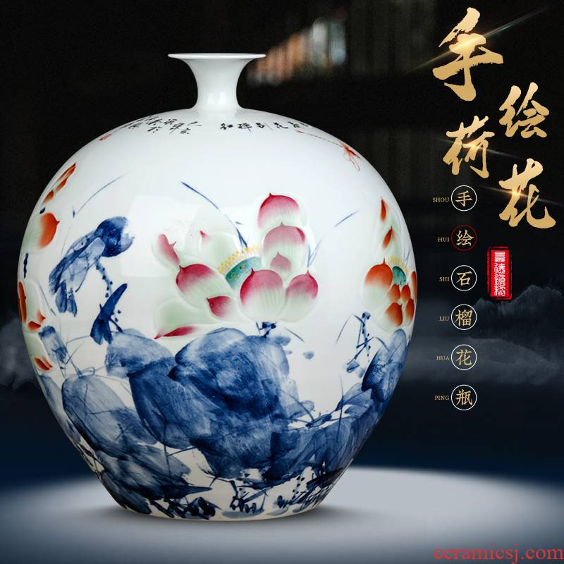 Jingdezhen ceramics by hand draw lotus Chinese blue and white porcelain vase household wine sitting room adornment is placed