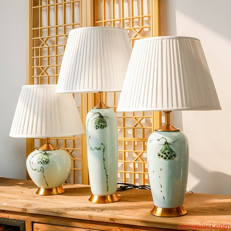 New Chinese style shadow blue lotus ceramic desk lamp hand - made Chinese wind restoring ancient ways home warm sitting room place of bedroom the head of a bed