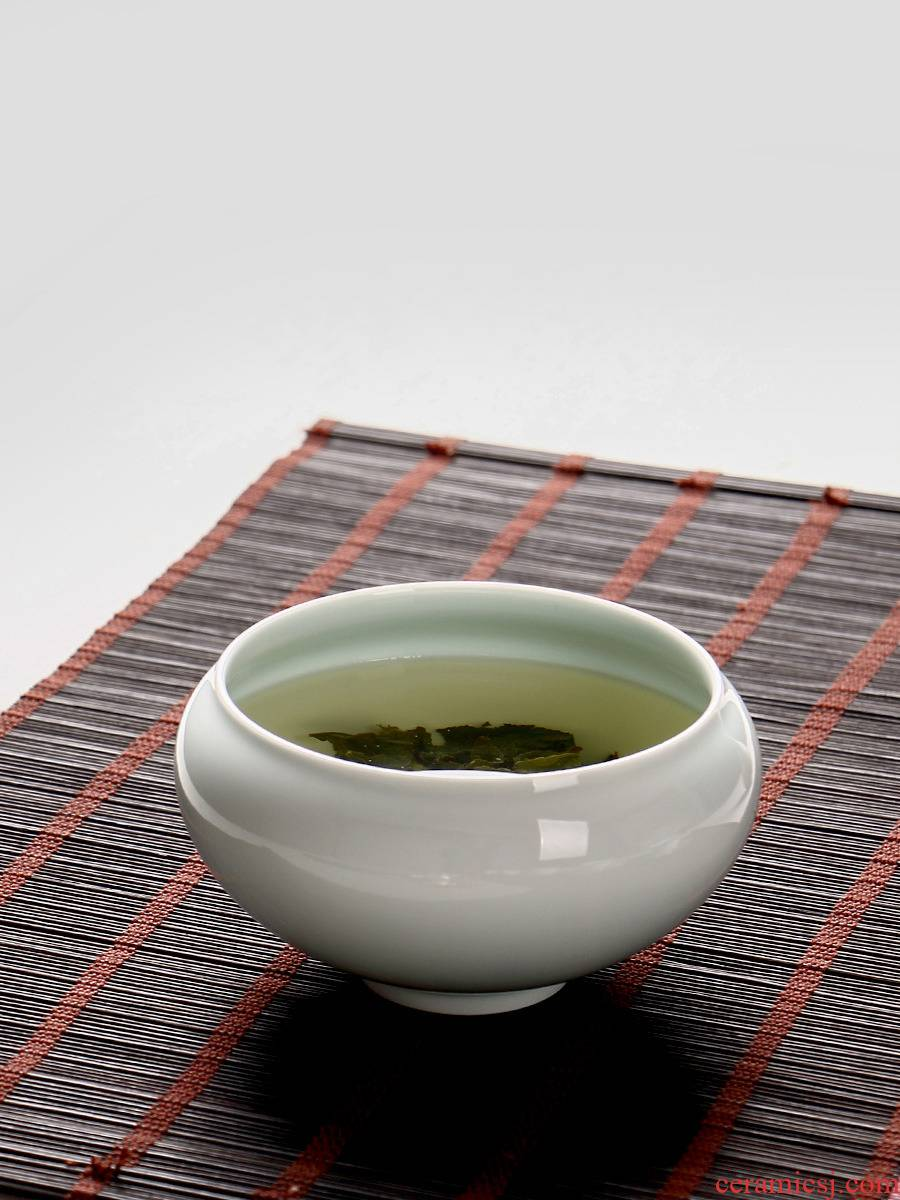 White porcelain Japanese zen tea ceramic bath water restoring ancient ways, after the household size for wash cup to build creative writing brush washer water