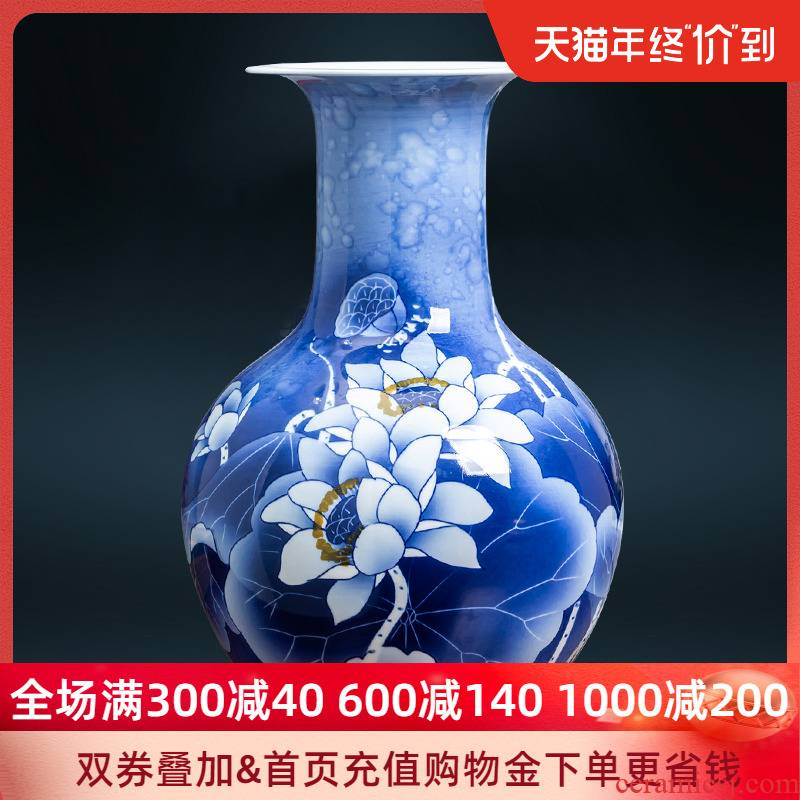 Jingdezhen ceramic hand - made vases Chinese flower arranging the sitting room of blue and white porcelain arts and crafts porcelain home decoration furnishing articles