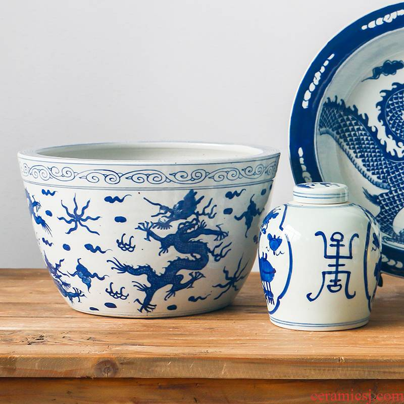 Antique hand - made aquarium sleep of blue and white porcelain bowl lotus basin of Chinese style restoring ancient ways do old study desktop sitting room adornment is placed