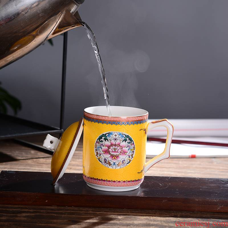 Ceramic cups of jingdezhen Ceramic colored enamel tea cup with lid cup ipads porcelain cup meeting office cup cup