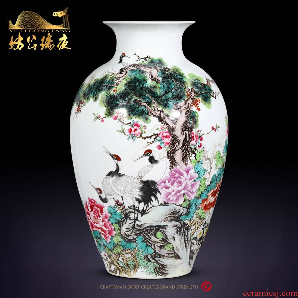 The Spring of archaize of jingdezhen ceramics powder enamel crane with vase sitting room of Chinese style household decoration crafts are the desktop