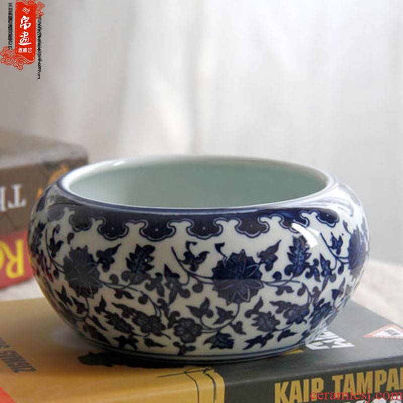 Blue and white porcelain of jingdezhen ceramics writing brush washer/pen container can make fish ashtray multi - function furnishing articles