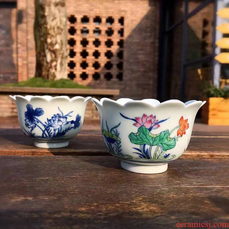 Guests pantone auspicious fight scene lotus cup sample tea cup of blue and white porcelain single CPU hand - made white porcelain keller cup host