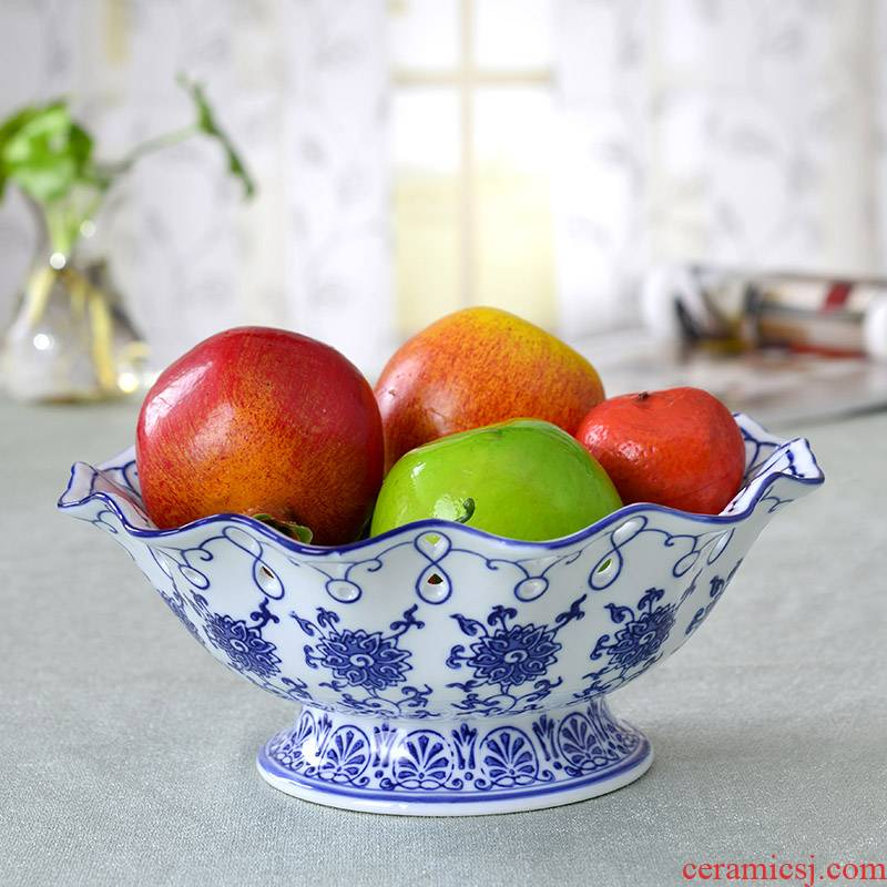 Hand made fruit bowl of blue and white porcelain of jingdezhen ceramics creative candy dishes crafts household act the role ofing is tasted, the living room