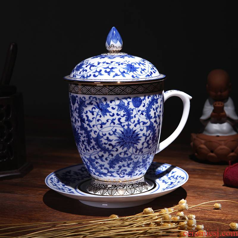 Jingdezhen blue and white with cover cup dish hand - made British red cup hand the see colour blue and white porcelain cups in the afternoon