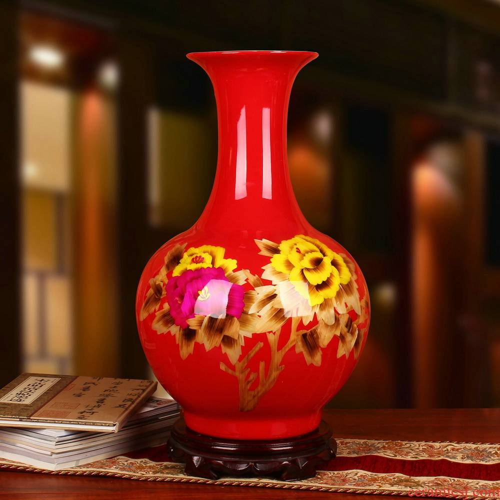 Jingdezhen ceramics China red straw peony flowers vase of riches and modern Chinese style collection place decoration