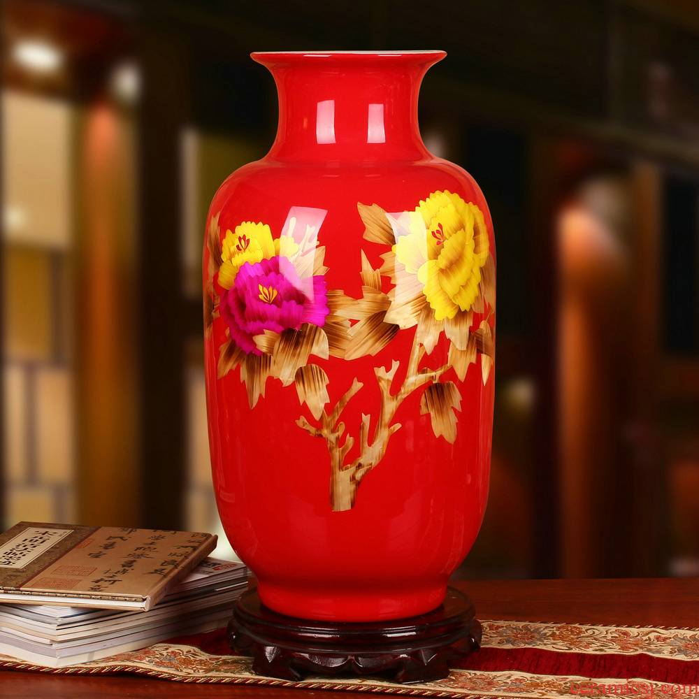Jingdezhen ceramics, the peony red straw painting prosperous modern Chinese wedding decoration vase furnishing articles