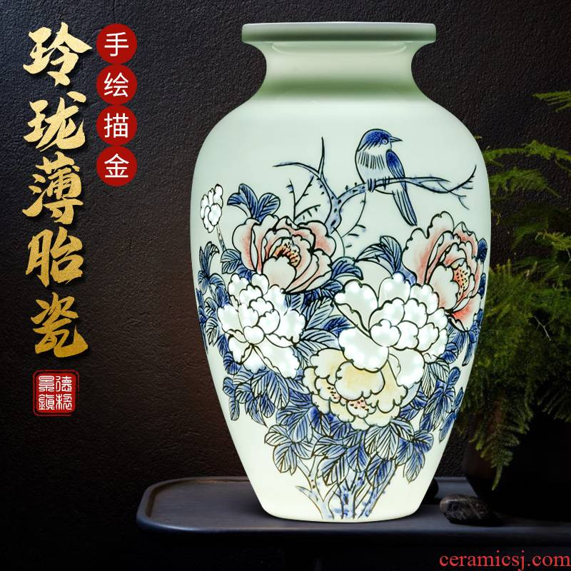 Chinese wine sitting room adornment famous jingdezhen ceramics hand - made exquisite thin foetus flower vase dry flower is placed