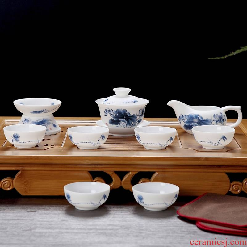 Jingdezhen ceramic tea set kung fu tea tureen frosted glass glaze ancient mud thin foetus blue and white porcelain of a complete set of wooden box