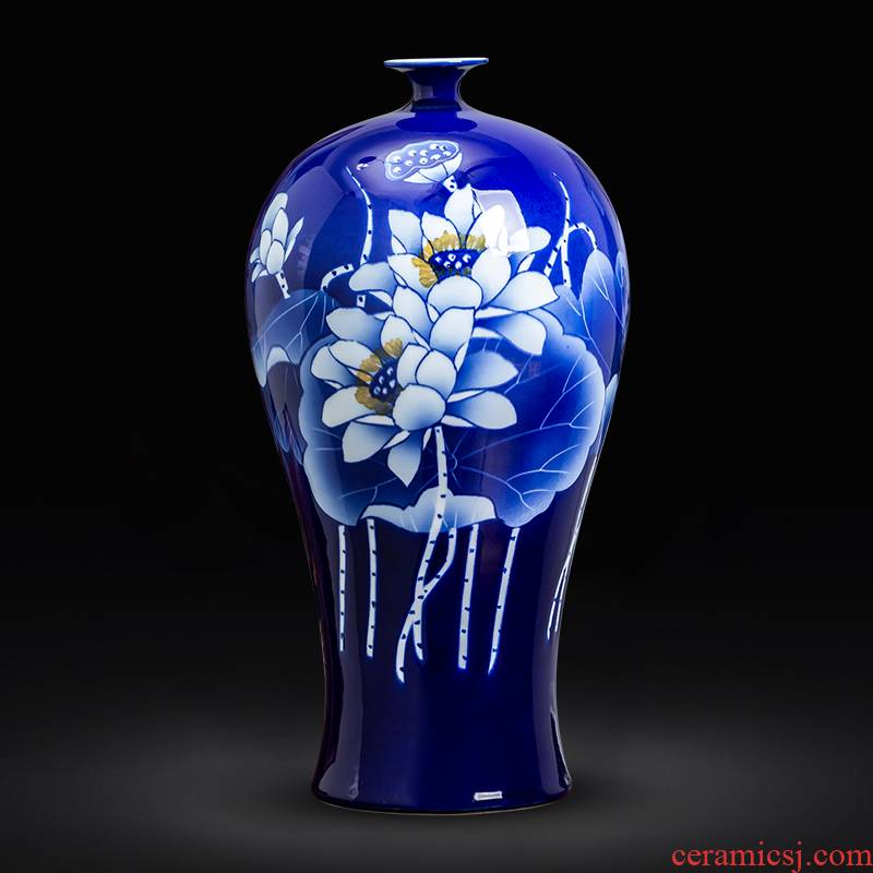 Hand the blue and white porcelain of jingdezhen chinaware lotus flower arrangement sitting room adornment of Chinese style household porcelain vase furnishing articles