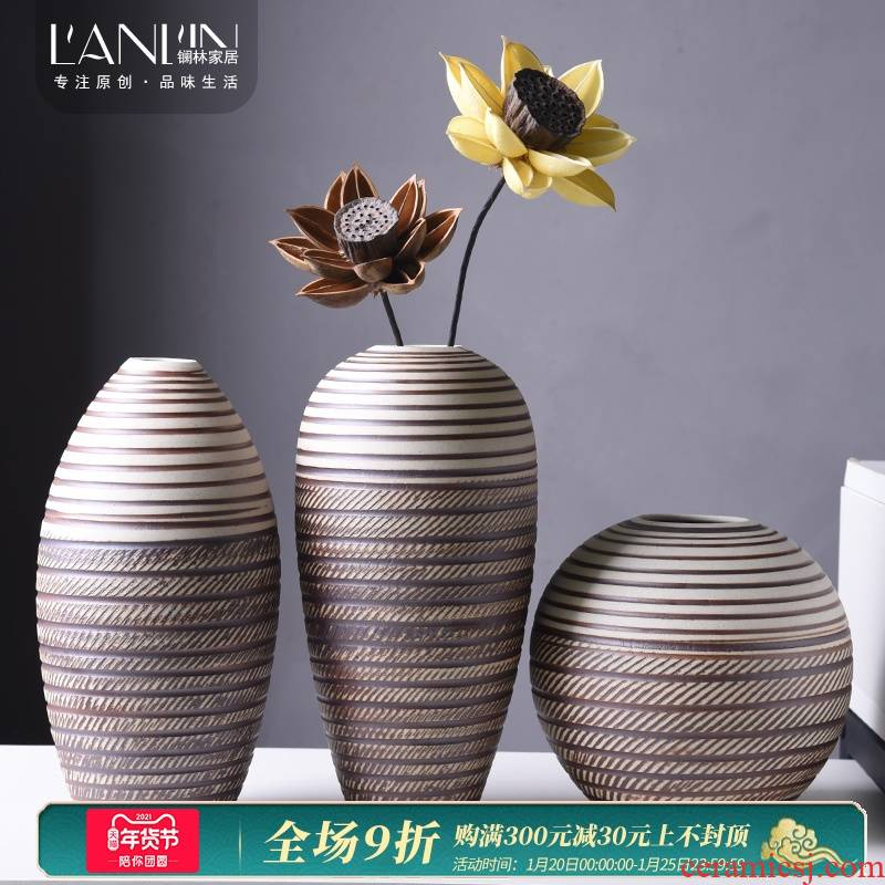 I and contracted desktop ceramic floret bottle coarse pottery dried flowers flower arrangement Europe type restoring ancient ways is the sitting room adornment is placed