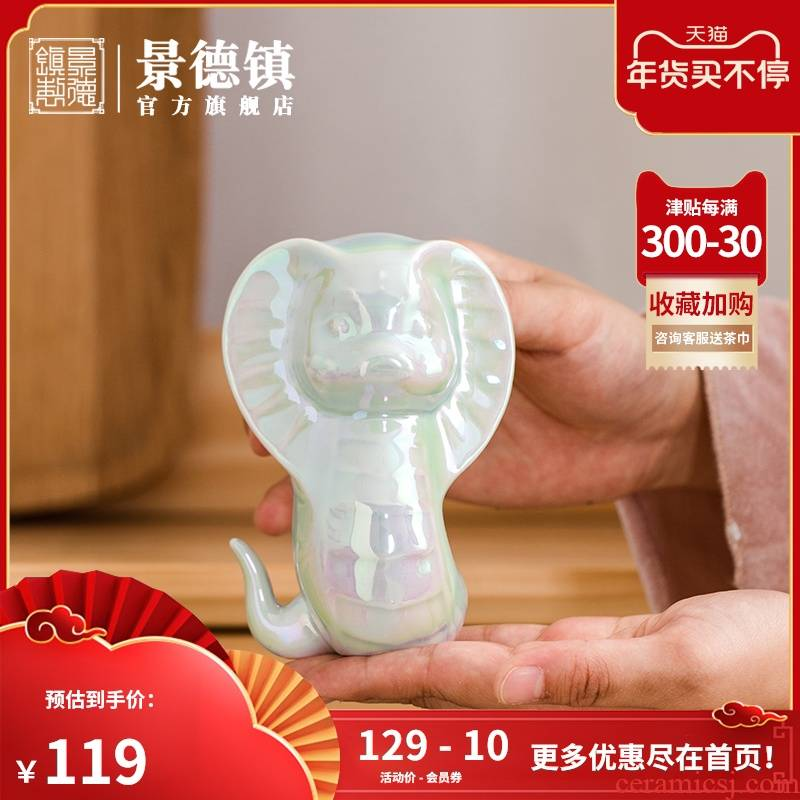 Jingdezhen flagship store ceramic express little snake furnishing articles in plutus modern animal zodiac household decoration mini sitting room