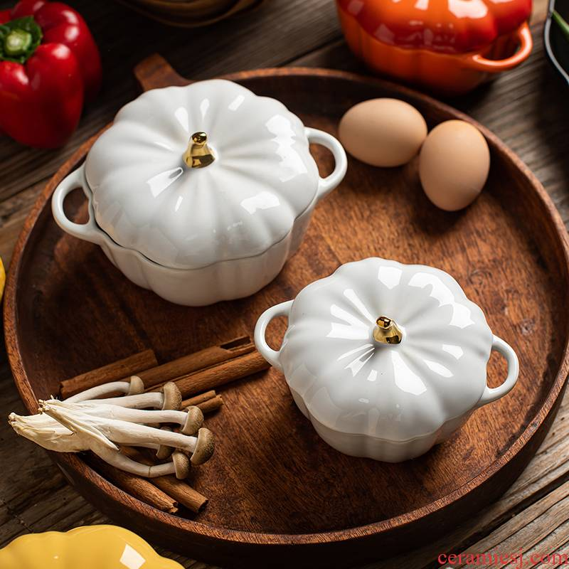 Pumpkin steamed custard ceramic bowl with cover small egg stew stew egg bowl of bird 's nest soup bowl water stew breakfast at home