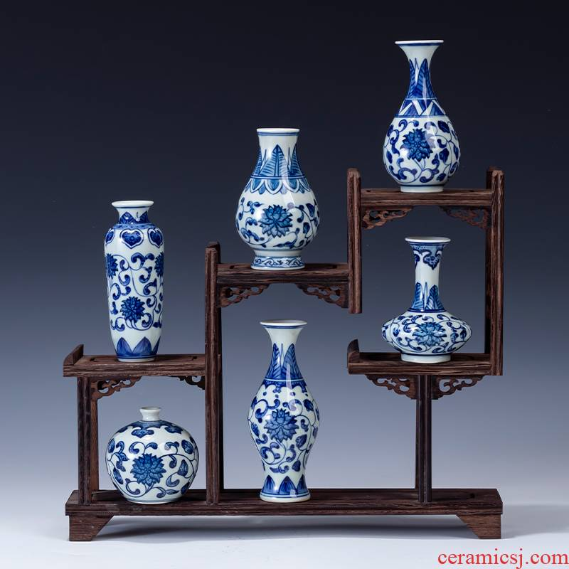 The Mini blue and white porcelain of jingdezhen ceramics characteristic small flowers flower arrangement bottled water furnishing articles tea table of Chinese style household decoration