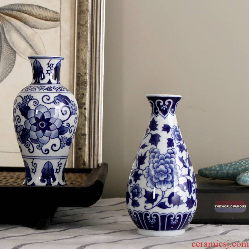 Jingdezhen blue and white porcelain vase vase household act the role ofing is tasted furnishing articles blue and white porcelain vase study the sitting room living room