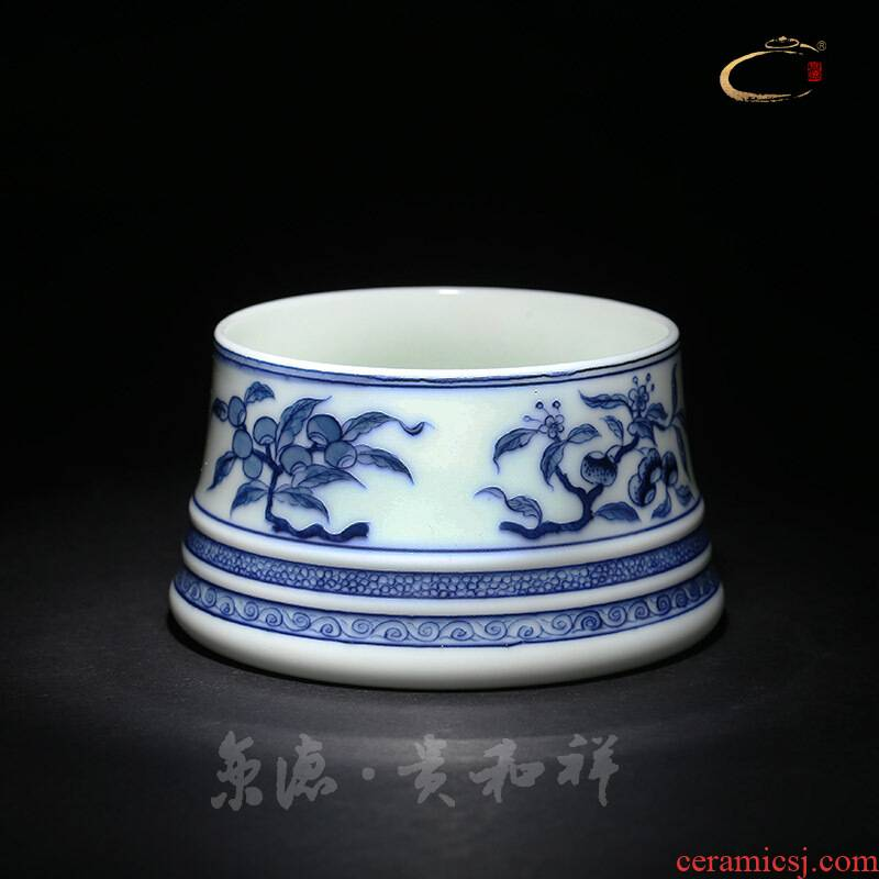 Jingdezhen and auspicious checking blue and white four fruit cup kung fu masters cup cup single CPU hand - made sample tea cup