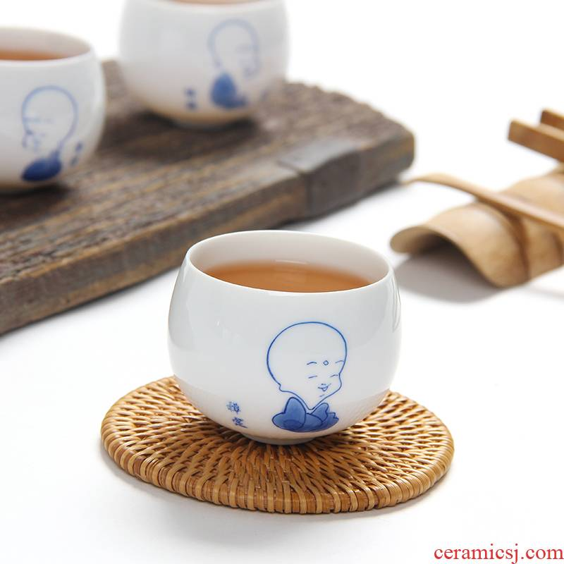 Ceramic cups hand made blue and white porcelain kung fu tea cups little monk master sample tea cup cup tea cup 100 ml