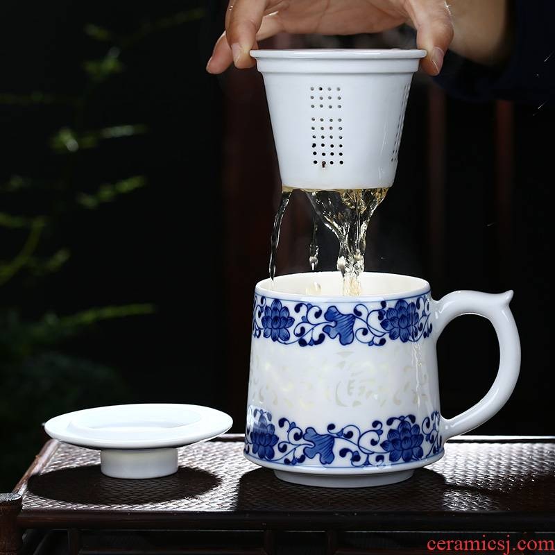 Jingdezhen ceramic hand - made porcelain and exquisite tea cup with lid tank filter cup home office conference room