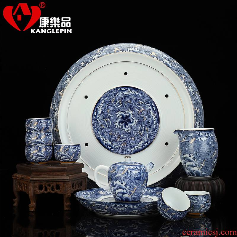 Recreational product elegance colored enamel porcelain restoring ancient ways is a complete set of kung fu tea set dry tea tray lid bowl of household