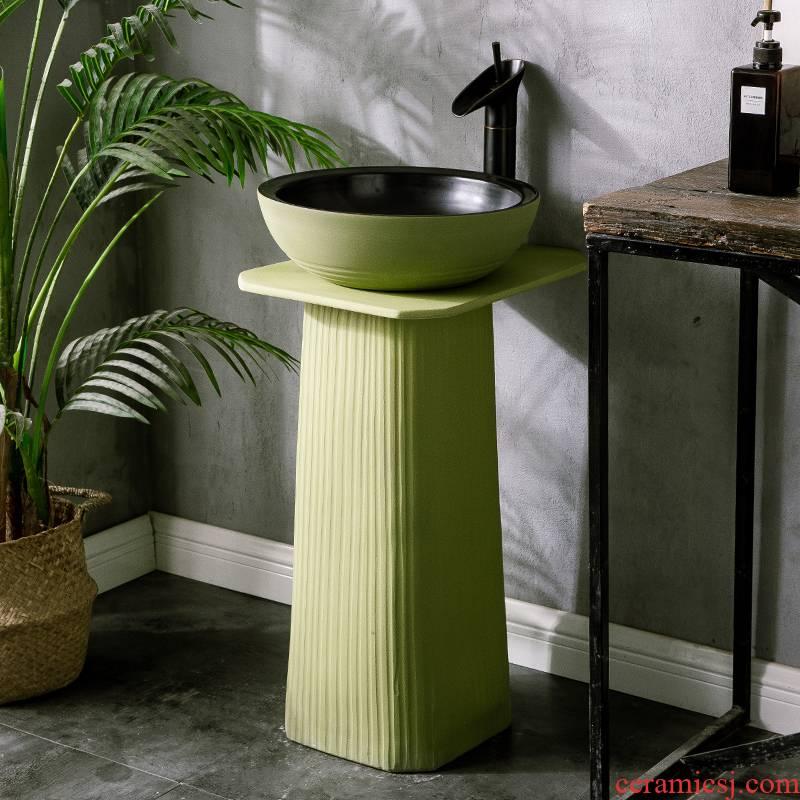 Pillar type lavatory is suing floor integrated move ceramic wash basin balcony garden bathroom sink