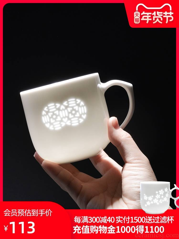 Enterprise custom jingdezhen ceramics with cover hollow out filtering and exquisite flowers office cup tea cups tea cup