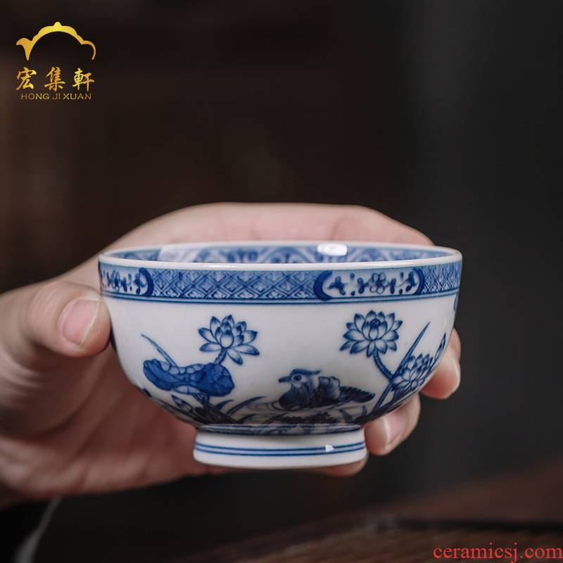 Maintain master cup of jingdezhen blue and white lotus painting of ceramic tea set single CPU hand - made teacup kung fu chai beaker