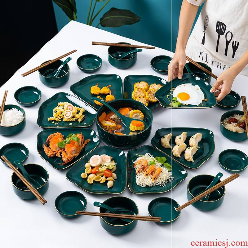 Web celebrity combination with suit platter round table is provided for a holiday home dish reunion creative ceramic plate of Chinese New Year