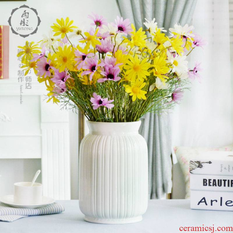 Dried flowers flower arrangement home decoration is I and contracted style white jingdezhen ceramics creative furnishing articles in the living room