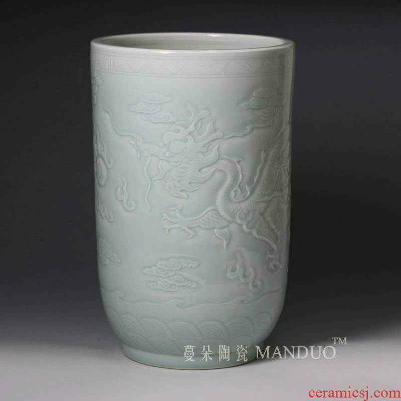Jingdezhen high - grade engraving quiver straight carved dragon playing bead display table vase artistic vase