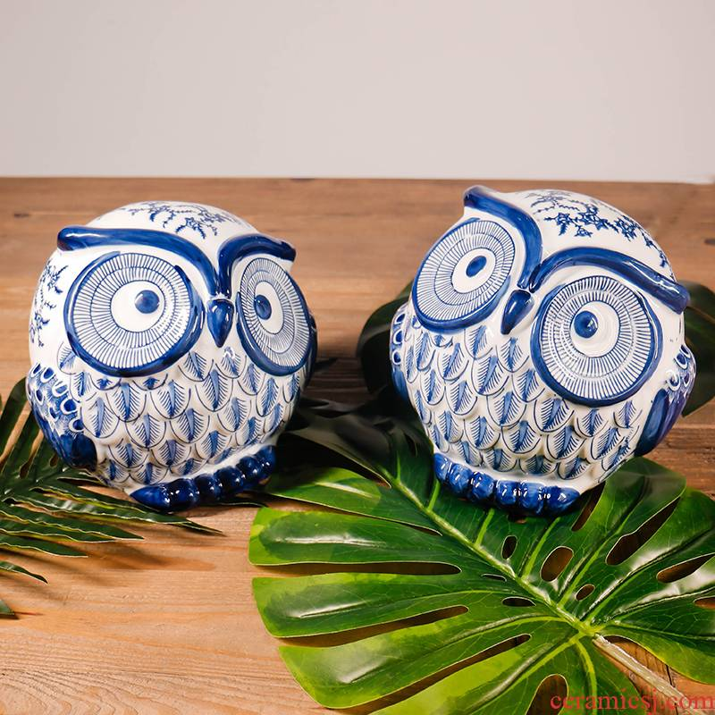 Jingdezhen porcelain ceramic owl furnishing articles creative animal birthday gifts of new Chinese style home furnishing articles