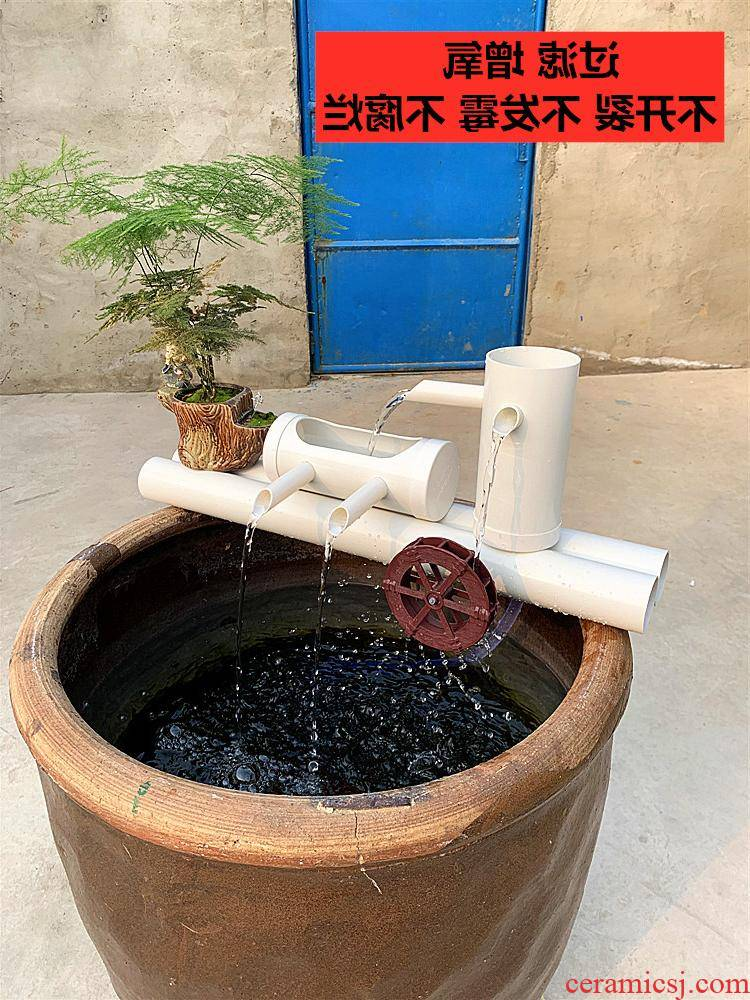 Ceramic cylinders placed on the water cycle, the waterfall on the filtration system into which aquarium filter filtration equipment material