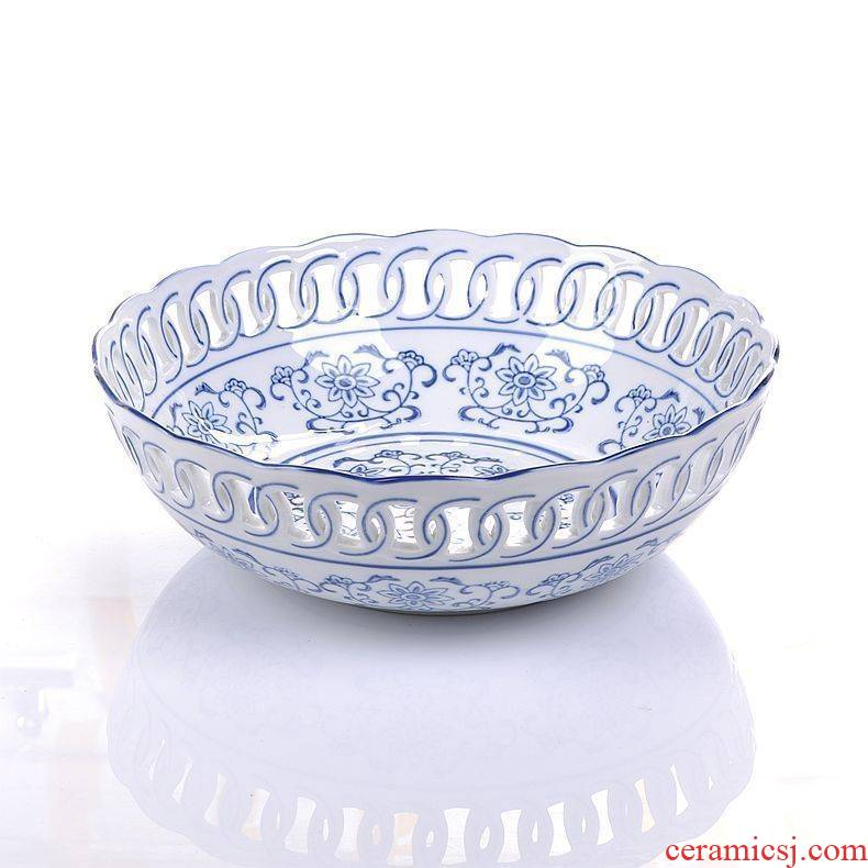 Jingdezhen blue and white ceramics compote hollow out fruit snack dish home furnishing articles European fashion