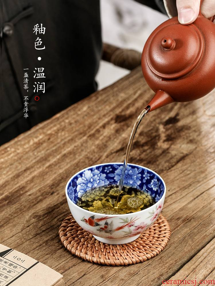 Pure manual water points peach blossom put blue and white kung fu master cup single CPU jingdezhen hand - made sample tea cup single tea cups