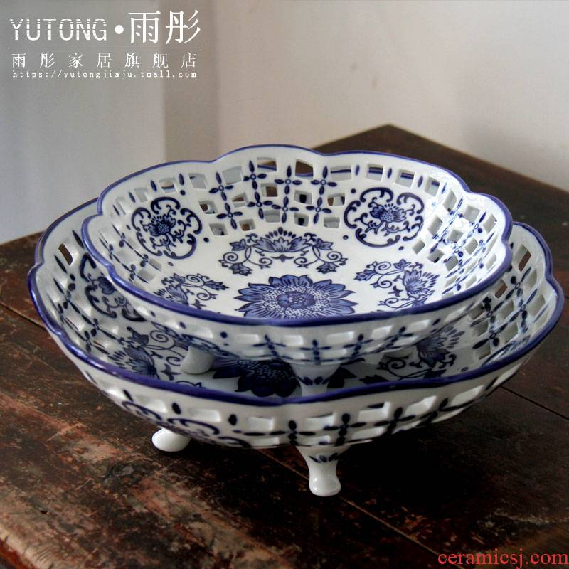 Corners of jingdezhen ceramics with household classic blue and white porcelain ceramic hollow out compote of fruit decorative furnishing articles