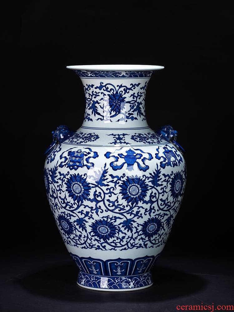 Jingdezhen ceramic of large blue and white porcelain vase Chinese antique hand - made rich ancient frame China large living room