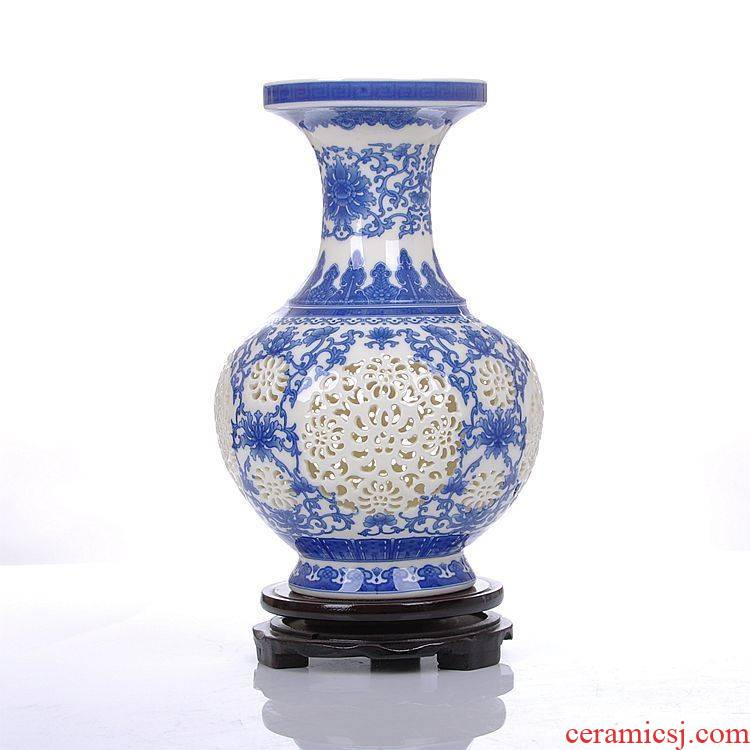 Jingdezhen ceramics ivory and exquisite hollow out of the blue and white porcelain vase classical modern household act the role ofing is tasted furnishing articles in the living room