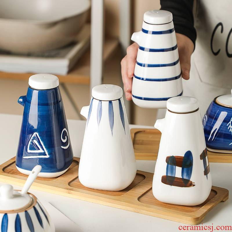 The Spice bottles suit Japanese kitchen sauce vinegar bottle wind reserves ceramic bottle caster oil can vinegar sauce pot pot