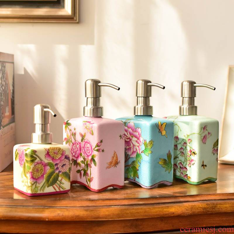 New Chinese style ceramic hand - made bath liquid bottle furnishing articles bathroom toiletries version into gifts home decoration