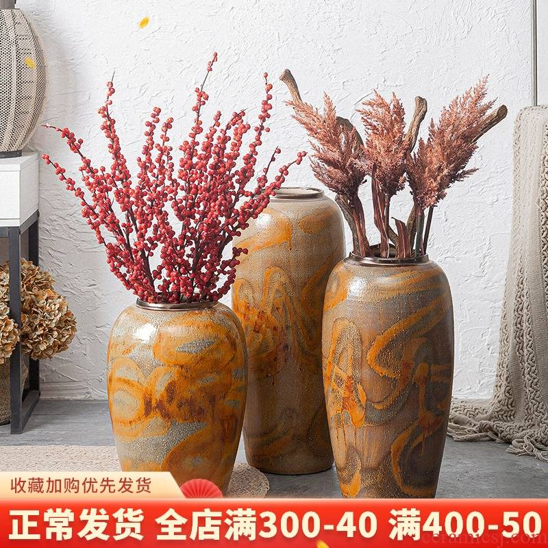 Ceramic retro TV ark beside high bottle of flower arranging place vase landed dried flowers large I and contracted sitting room