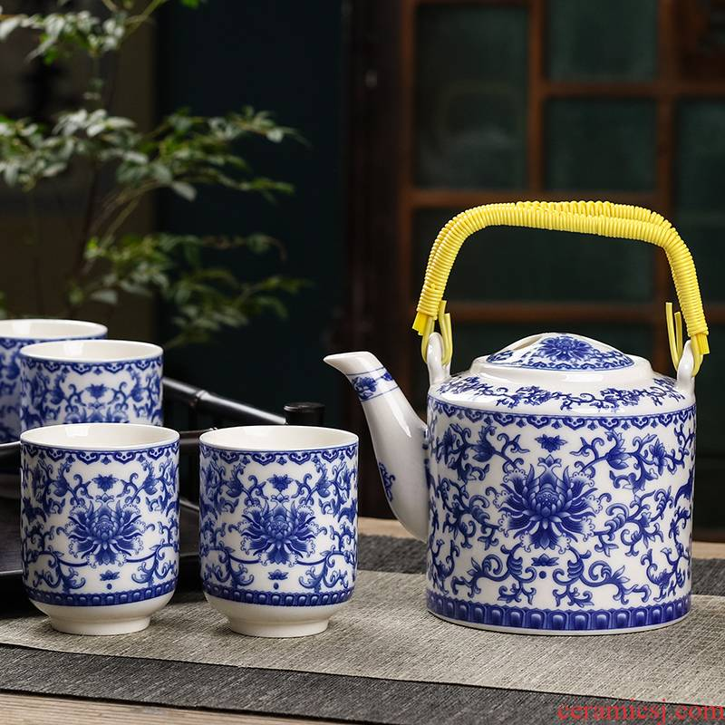 Jingdezhen blue and white ceramics kung fu tea set office household of Chinese style cup teapot girder of a complete set of the kettle