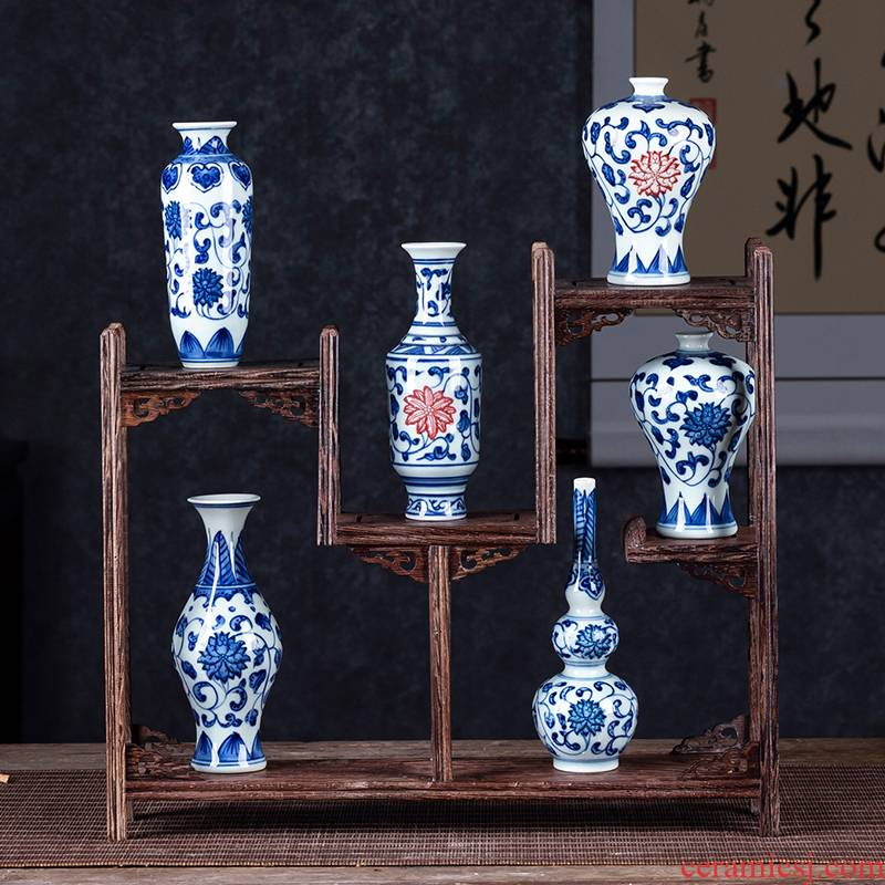 Jingdezhen ceramic mini hand - made small blue and white porcelain vase creative flower arranging furnishing articles furnishing articles of Chinese style household outfit