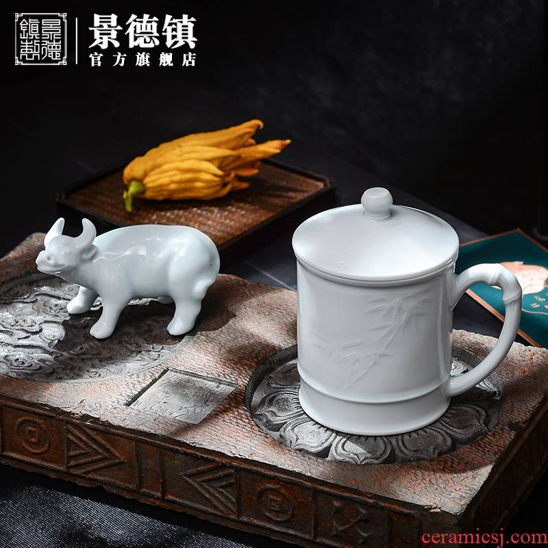 Jingdezhen flagship stores in office manual suit for tea cups water in a Chinese gift boxes with cover glass