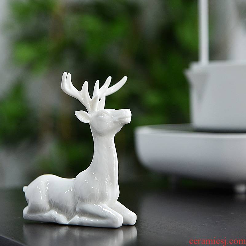 Hui shi tea pet furnishing articles furnishing articles ceramic white porcelain for its ehrs lovely fawn creative household act the role ofing is tasted the control of vehicles