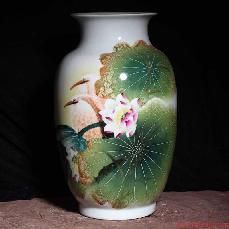 Jingdezhen hand - made lotus egrets Jingdezhen porcelain vases pure manual painting famille rose porcelain vase
