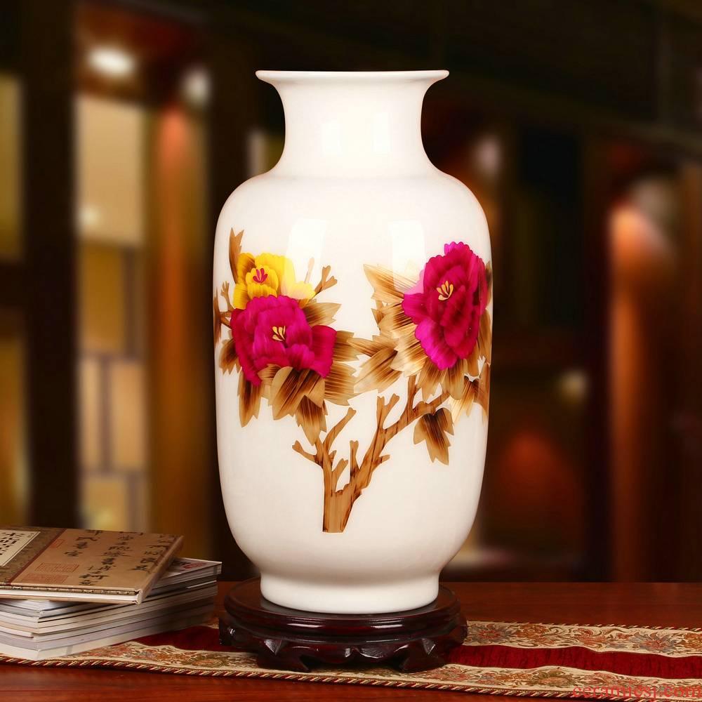 Jingdezhen ceramics white straw peony vase splendor in modern Chinese style household decorative furnishing articles