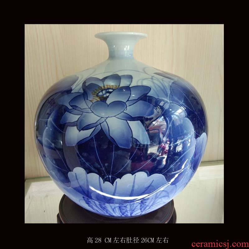 Jingdezhen porcelain hand - made lotus flower vase fashionable sitting room elegant crafts ceramics display cabinet