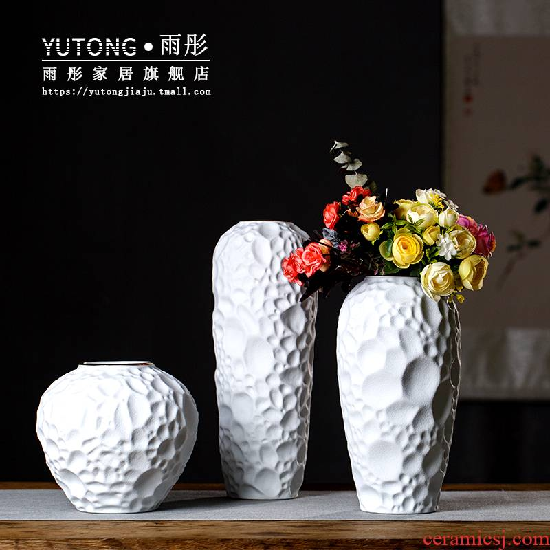 Red and white light rain much wind jingdezhen ceramic vase hotel lobby between example ceramic vases, home furnishing articles