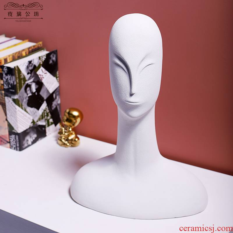 The Nordic furnishing articles abstract art portrait its ceramic figurines example room hotel home decorative arts and crafts